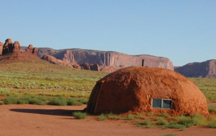 Monument Valley Tribal Lands_Feather On The Move blog