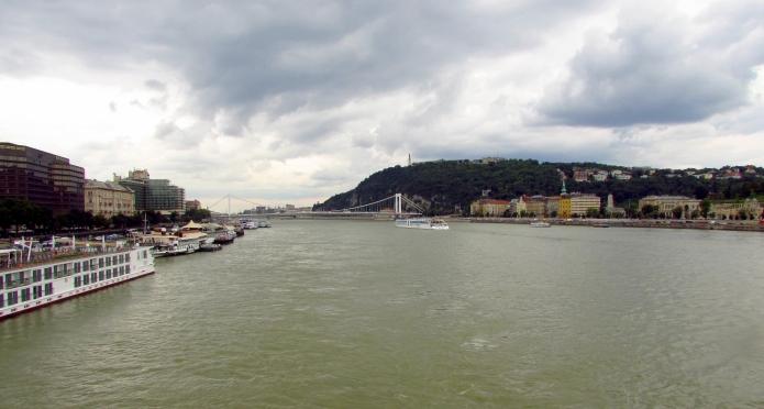 FeatherOnTheMove_Budapest